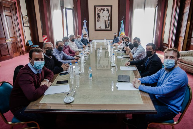 Primera reunión tras el cambio de gabinete de Axel Kicillof