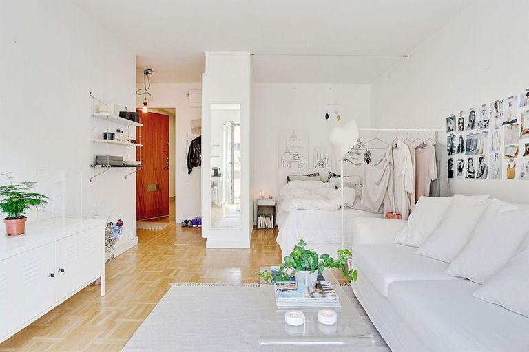 El blanco es ideal para este tipo de espacios porque genera un efecto de amplitud y luminosidad