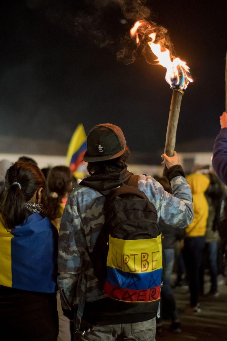 El único camino para resolver el profundo conflicto desatado en Colombia parece ser un gran acuerdo nacional entre todos los partidos independientes y de oposición