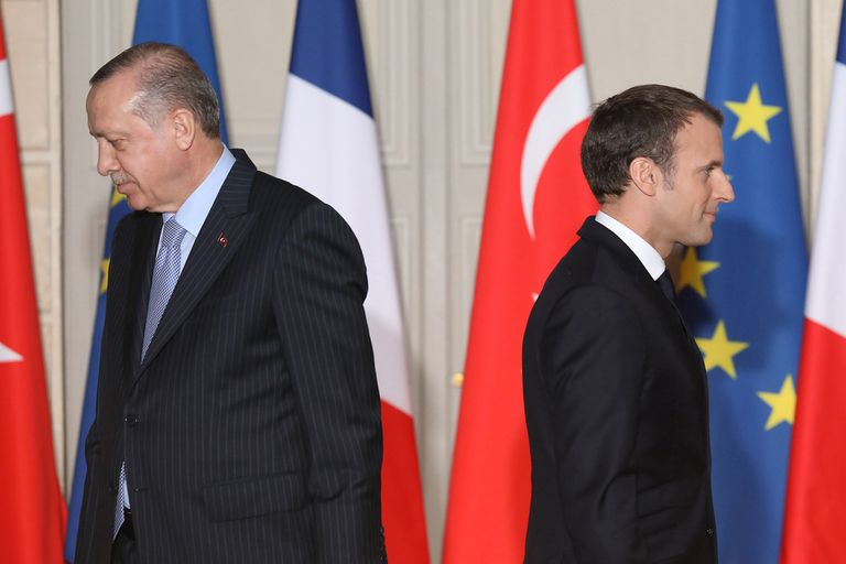 """El presidente turco, Recep Tayyip Erdogan, dijo hoy que Francia está atravesando un período riesgoso"""" porque su mandatario, Emmanuel Macron, """"es un problema para el país"""" del que """"debe liberarse lo más pronto posible"""""""