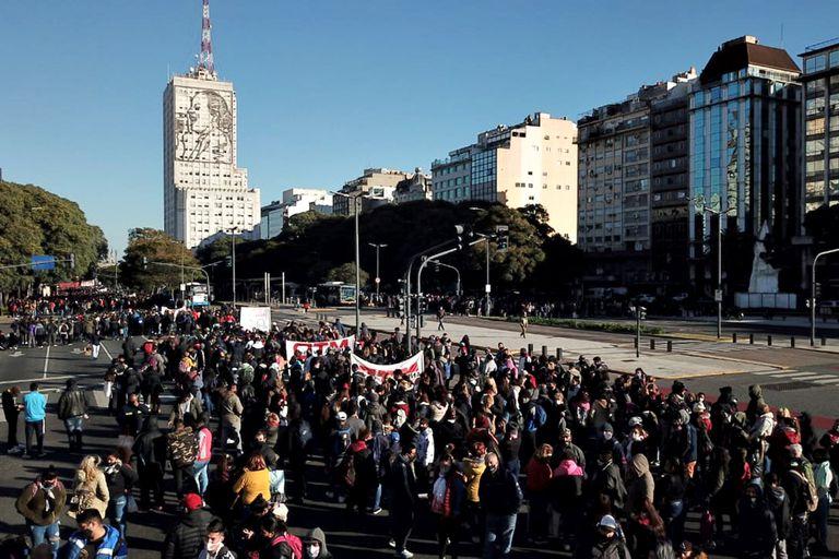 Marcha hacia el Ministerio de Desarrollo Social
