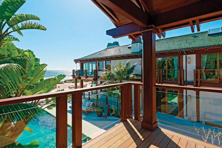 """Conocida como """"Orchid House"""", la propiedad está valuada en 100 millones de dólares y cuenta con cuatro mil metros cuadrados"""