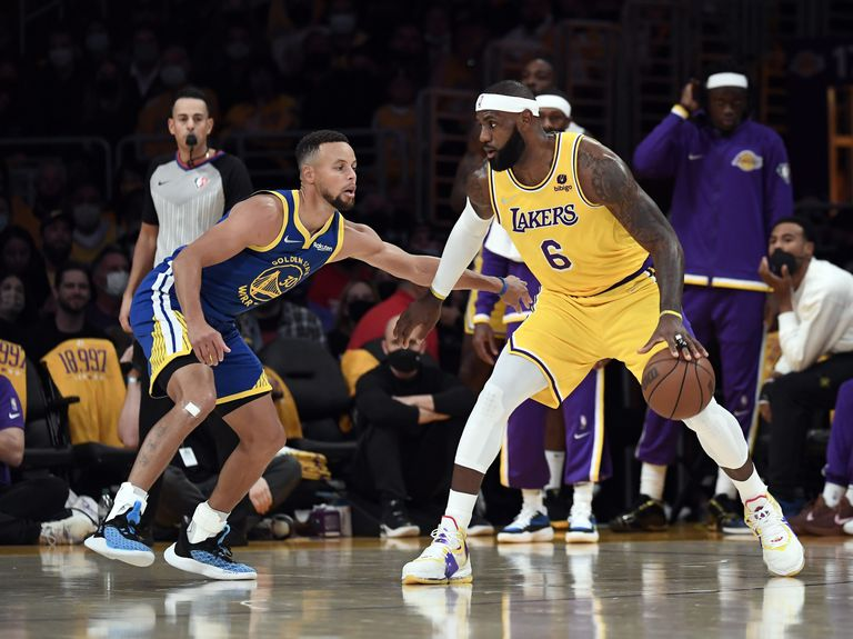 """Stephen Curry y su """"juego basura"""" le dieron un cachetazo al experimento de los Lakeres de LeBron"""