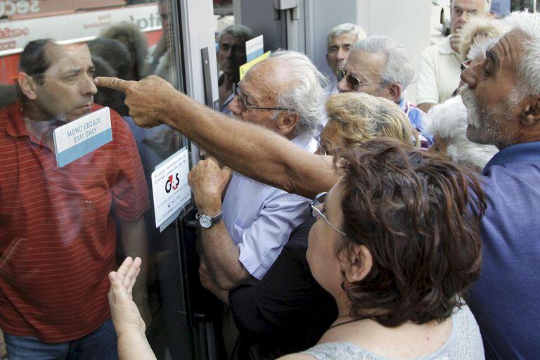 Los jubilados reclaman sus pensiones