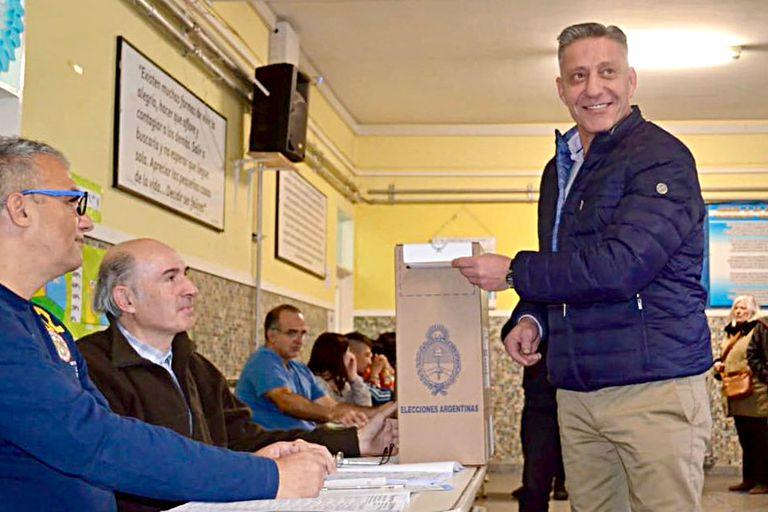 El kirchnerismo decidió tomar distancia del gobernador Mariano Arcioni