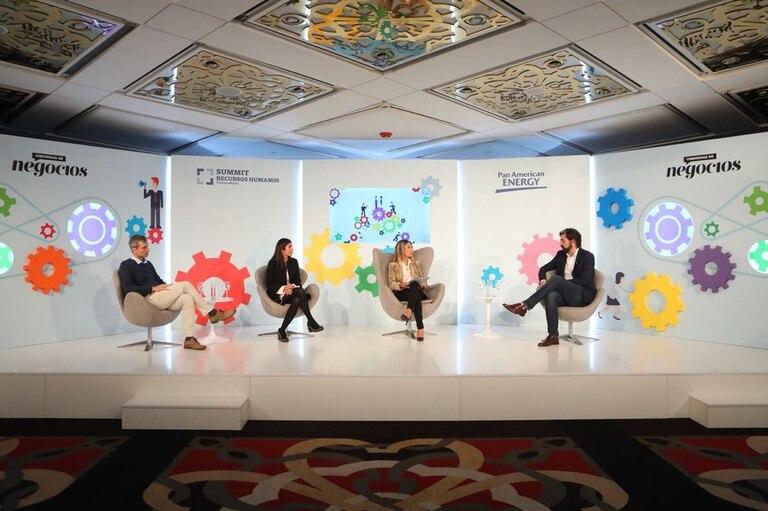 De izquierda a derecha: Claudio Pasqualini (Banco Provincia), Mariana Talarico (Natura), Carla Quiroga (LA NACION) y Gonzalo Bergé (Despegar)