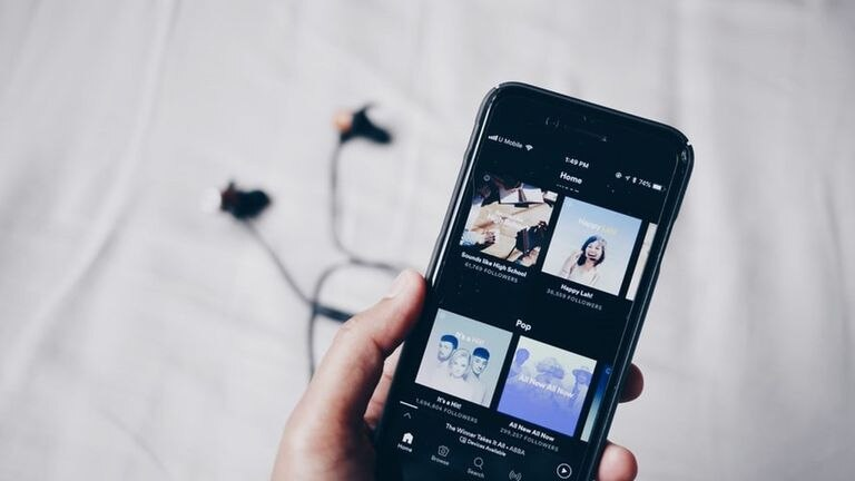 Spotify ya permite añadir videos a sus podcasts