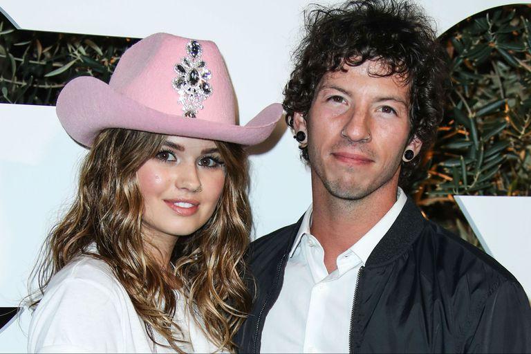 Debby Ryan se casó en secreto en Año Nuevo con el músico Josh Dun