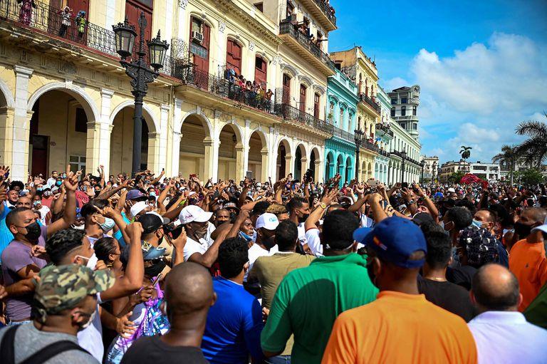 Protestas en Cuba, impunidad,  esperando mi vacuna