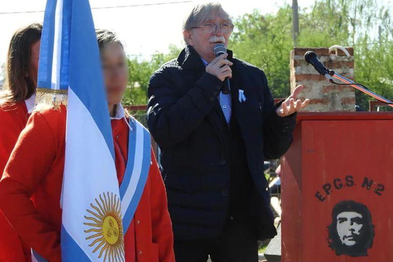 """Los alumnos cantaron la canción """"Hasta siempre, comandante"""""""