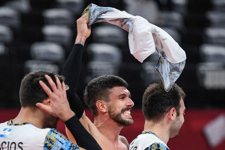 Facundo Conte celebra en Tokio la victoria sobre Italia y el paso a las semifinales