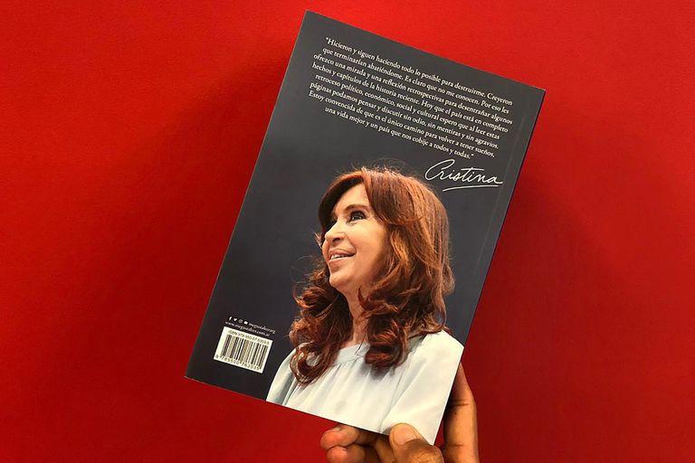 La contratapa del libro de Cristina Kirchner