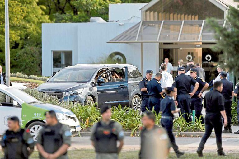 Hubo un fuerte operativo de seguridad en el cementerio Jardín de Paz