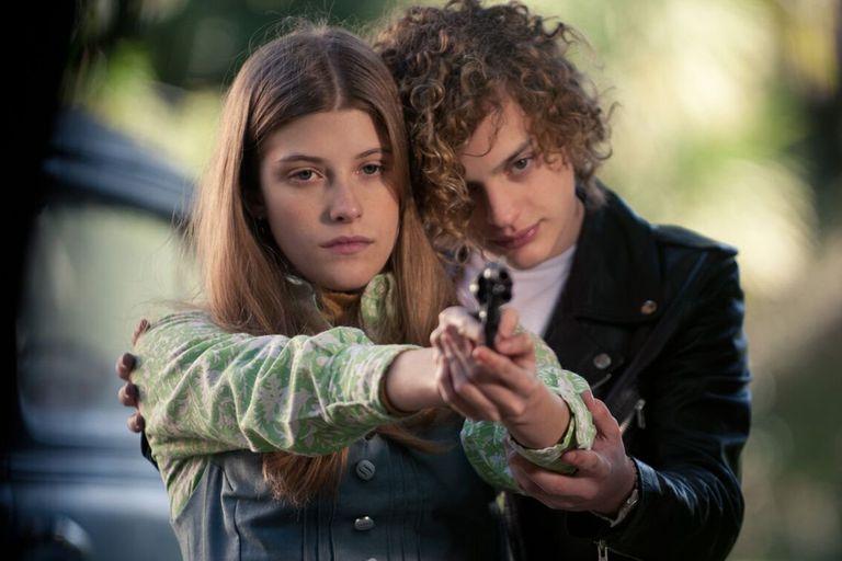 Malena Villa y Lorenzo Ferro en El ángel, de Luis Ortega