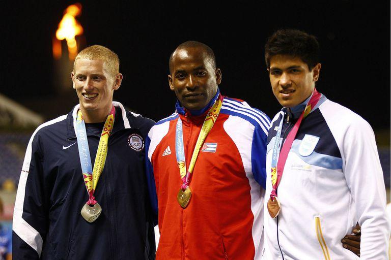 Braian Toledo con su medalla de bronze lograda en los Juegos Panamericanos de Guadalajara en el año 2011