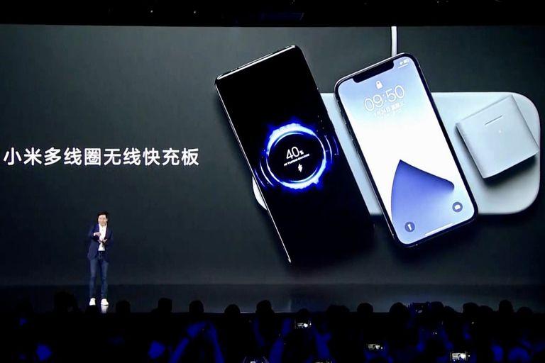 Xiaomi creó una base de carga inalámbrica para tres dispositivos y otra más rápida que un cargador de cable