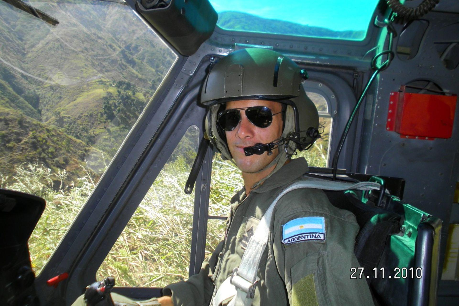 Gastón Ortíz participó de la misión en Haití como piloto de helicóptero