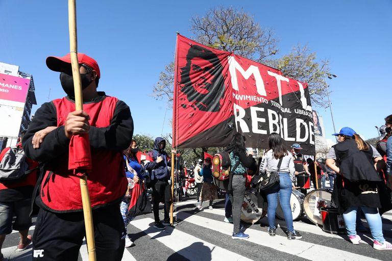 """Desde las organizaciones califican de """"maniobra electoral"""" al proyecto de ley presentado por Sergio Massa que busca convertir los planes sociales en trabajo"""