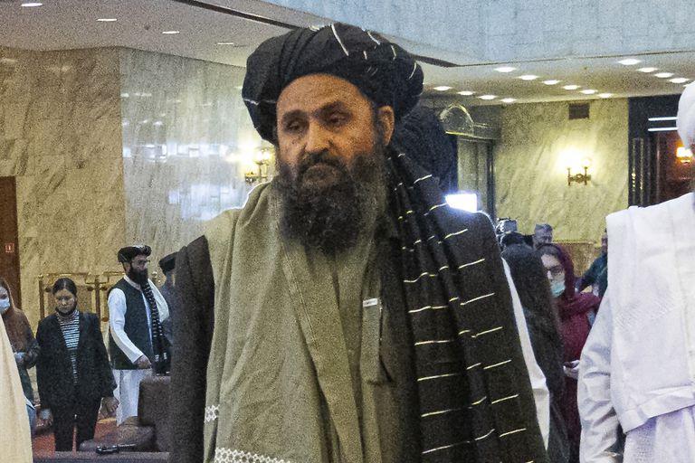 El cofundador del talibán y pragmático, mulá Abdul Ghani Baradar, encargado de liderar las negociaciones con Estados Unidos (AP Foto/Alexander Zemlianichenko)