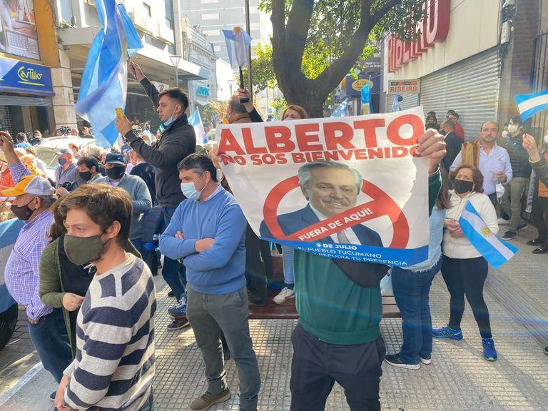 Protestas en Tucumán por la visita de Alberto Fernández