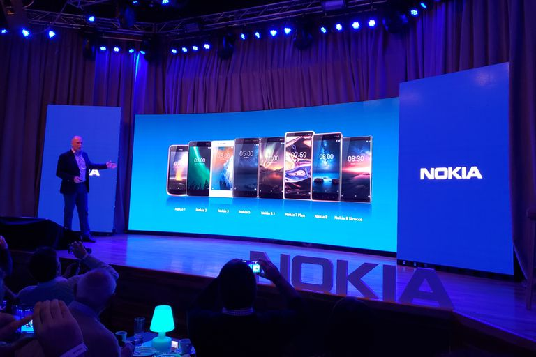 La familia actual de productos Nokia; HMD dice que la mayoría llegará al país