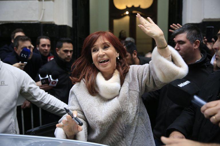 Cristina Kirchner retomará en septiembre su campaña autónoma