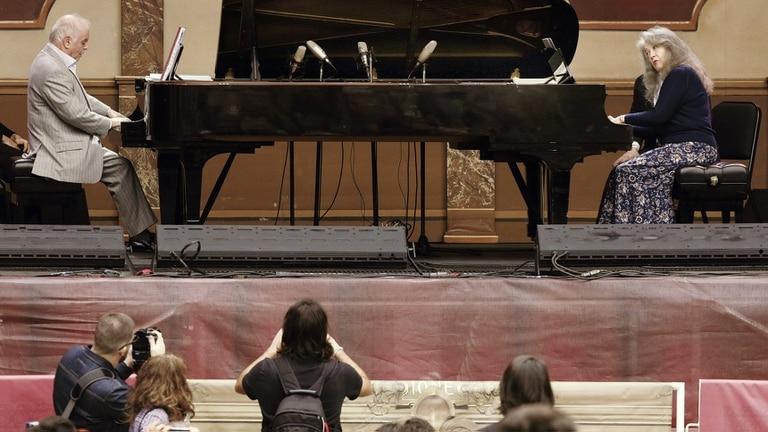 Esta noche y mañana desde las 20 Barenboim dirigirá a la Orquesta West Eastern Divan
