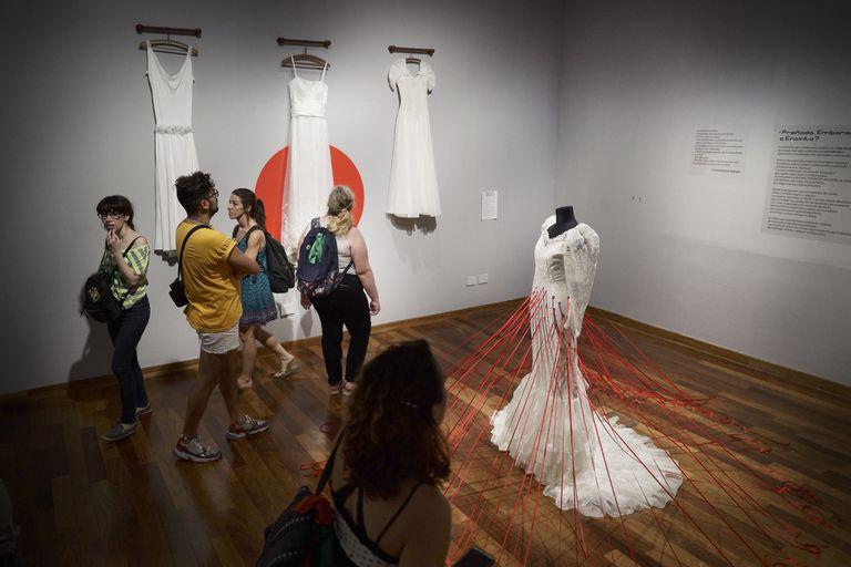 """""""Nosotras movemos el mundo"""" exhibe obras de más de 250 artistas"""