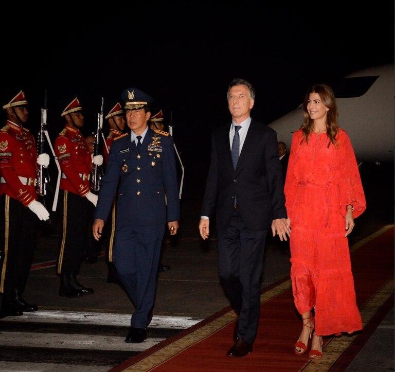 El Presidente y la primera dama arribaron a Indonesia anoche