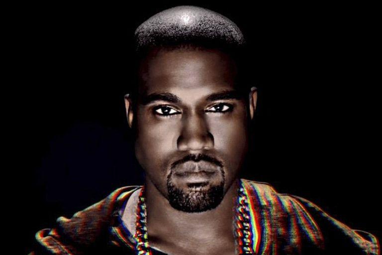 Kanye West golpea a su propio ego para hacerlo más grande