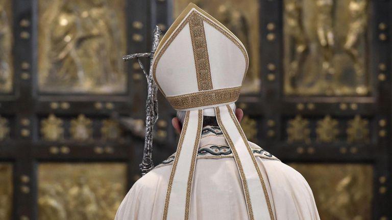 Francisco y un cambio histórico: concede a los sacerdotes la facultad de absolver a quienes hayan abortado