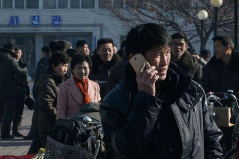 Hay unos 6 millones de móviles en uso en un país de 25 millones de personas