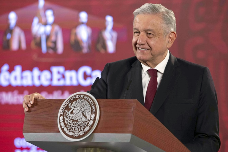 López Obrador reiteró que el penacho de Moctezuma es una pieza de México e insistió en pedir la pieza al gobierno de Austria