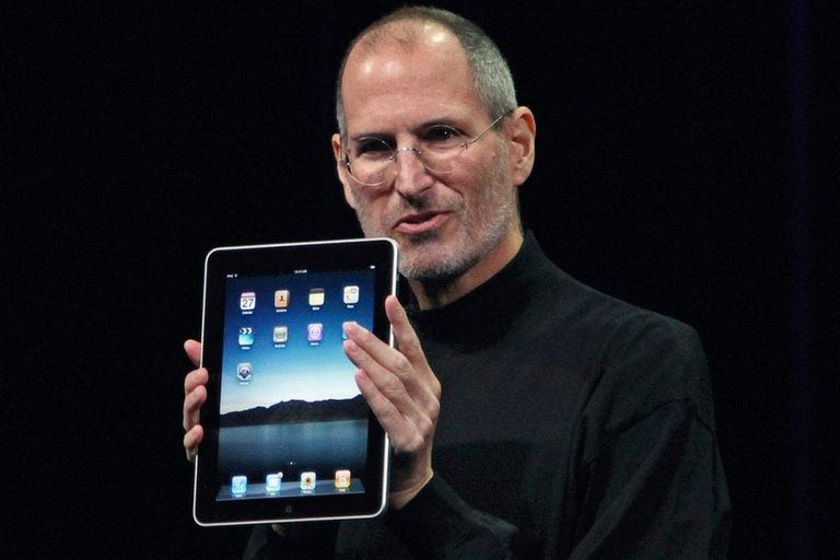 El cofundador de Apple durante la presentación del iPad, el dispositivo portátil que la compañía lanzó al mercado en 2010