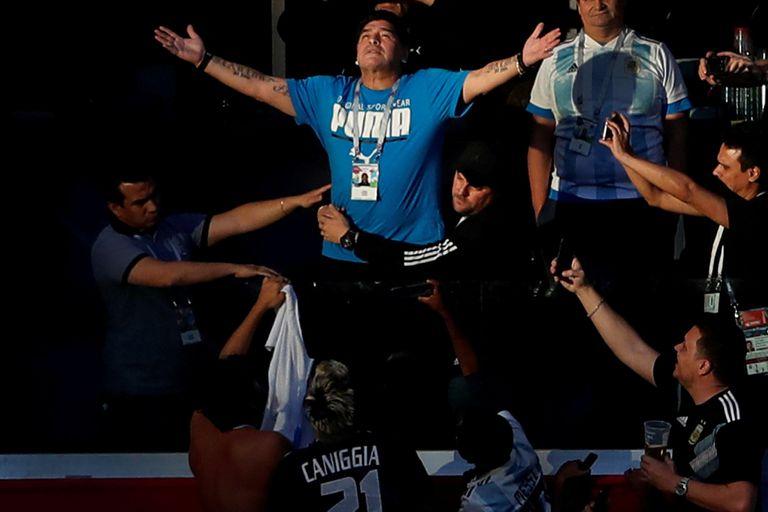 Murió Diego Maradona, una leyenda mundial que había nacido en Villa Fiorito y fue rey donde pisó.