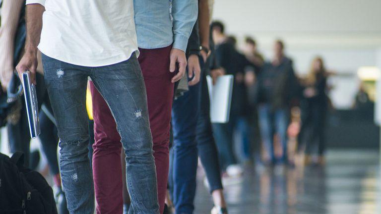 En un año se sumaron 209 mil trabajadores al mercado laboral