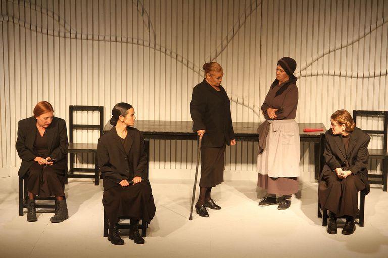 Teatro en tiempos de pandemia: mejor quedarse en casa y verlo desde ahí