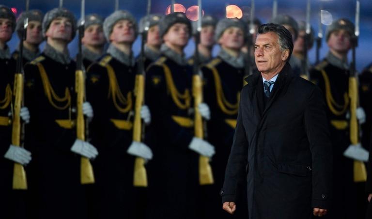 Macri arribó al aeropuerto de Moscú cuando el termómetro marcaba 12 grados bajo cero