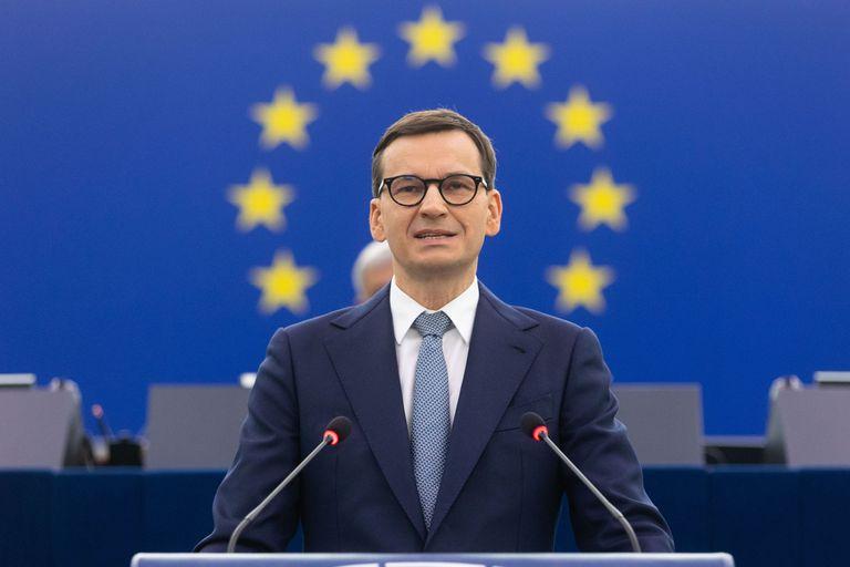 """Escala el conflicto entre la Unión Europea y Polonia, que denunció un """"chantaje"""""""