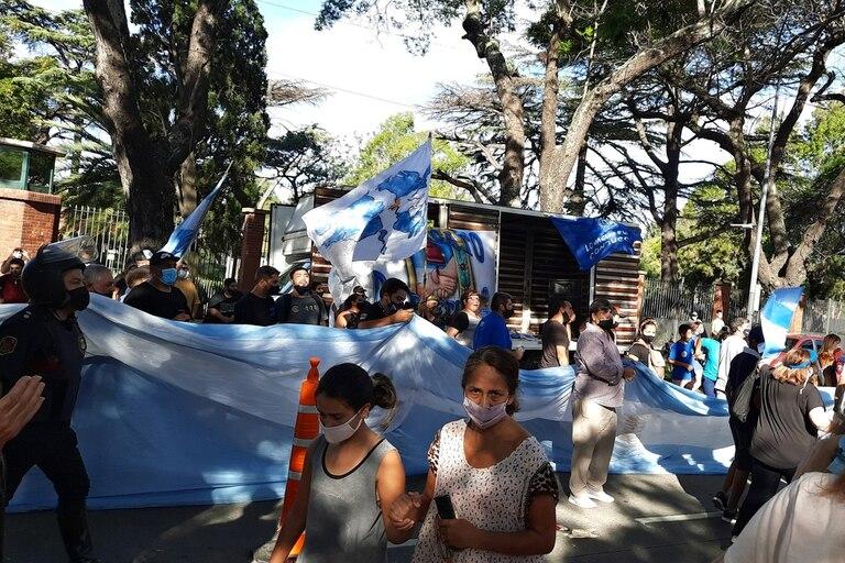 Sindicalistas rodearon el acceso a la quinta de Olivos