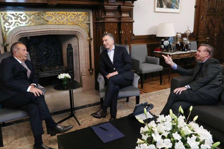 Fuentes del Gobierno y cercanas al senador puntano confirmaron el encuentro poco antes de la foto oficial