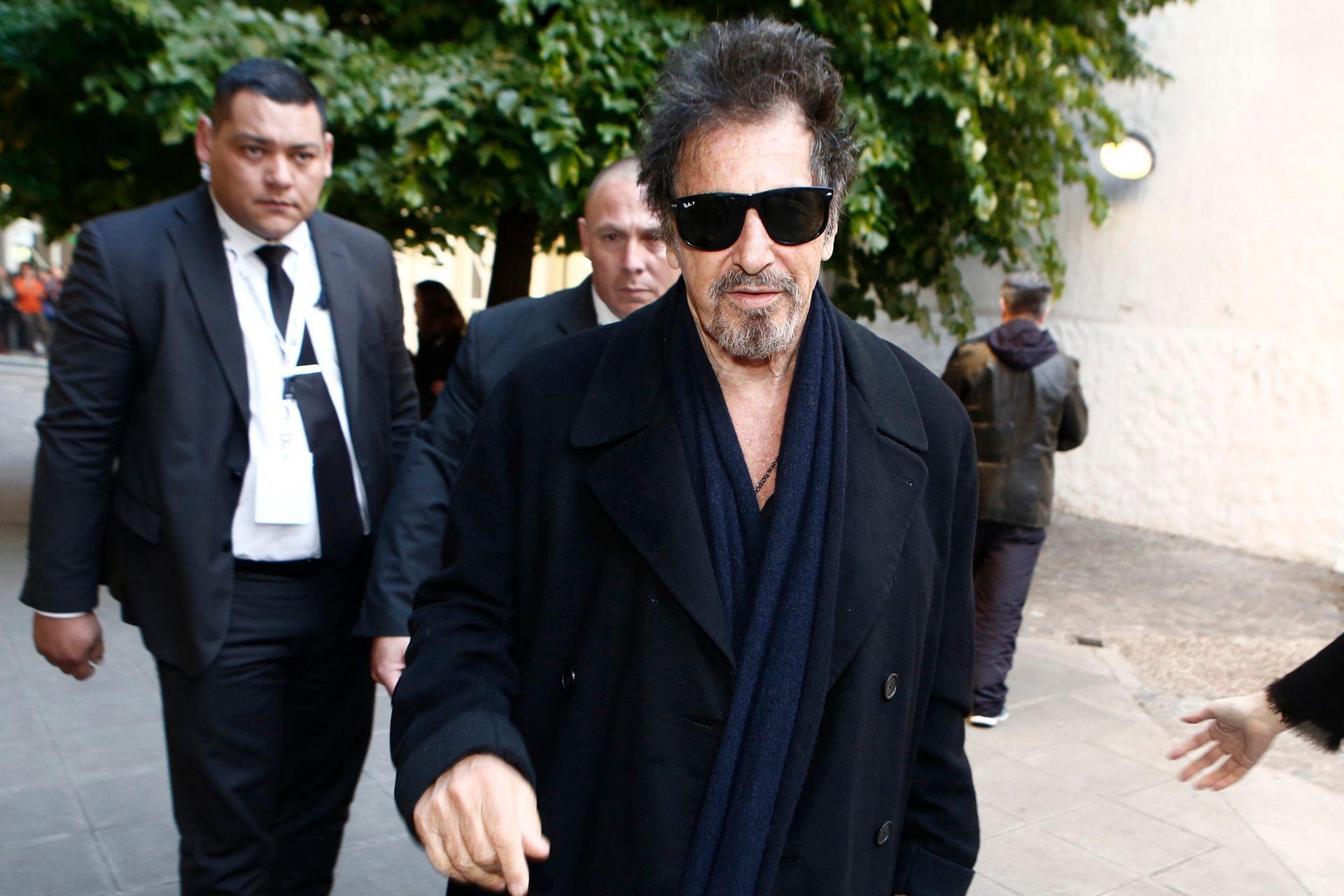 El actor Al Pacino ingresa al Centro Cultural Recoleta, durante su visita a la Argentina