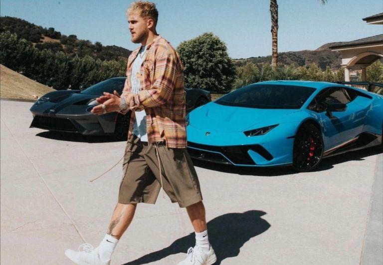 La extravagante y lujosa flota de autos del youtuber y boxeador Jake Paul