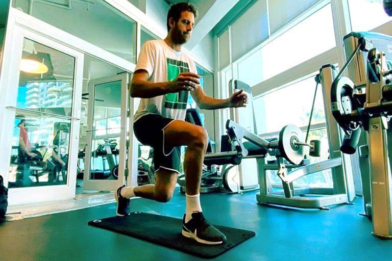 Del Potro, que se operó por última vez en enero y desde entonces se había dedicado a fortalecer la rodilla derecha, volvió a hacer tenis.