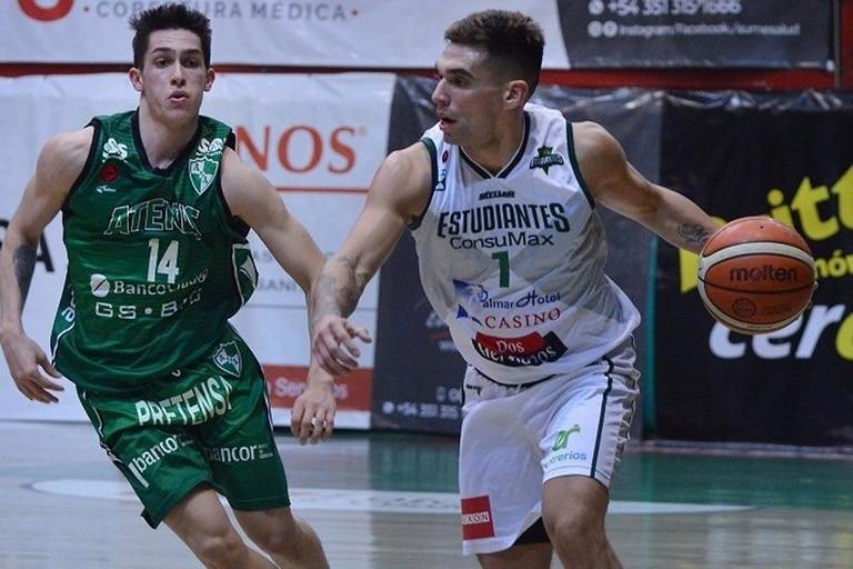 Leandro Vildoza, el verdugo de Atenas. El equipo cordobés deberá jugar por la permanencia.
