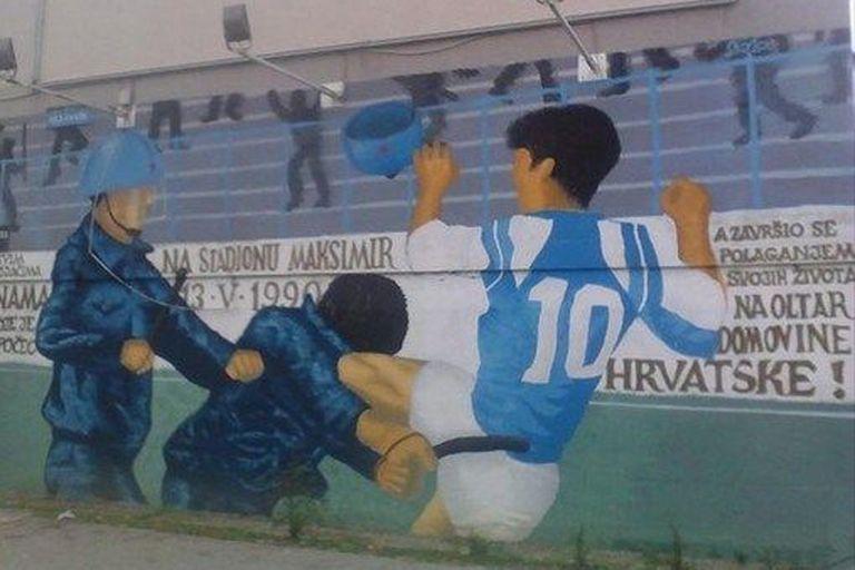 En Zagreb. un mural que recuerda la acción desencajada de Boban