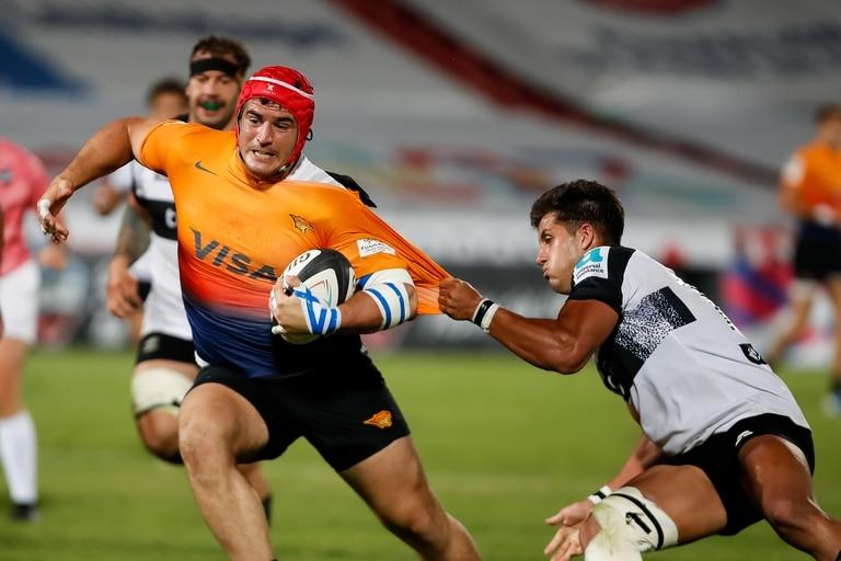 Federico Wegrzyn se escapa a pesar de la marca; Jaguares XV venció por amplio margen a Olimpia Lions por la Superliga Americana de Rugby