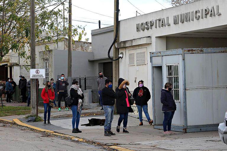 Una ola de casos de Covid pone los hospitales al límite en Balcarce y Lobería