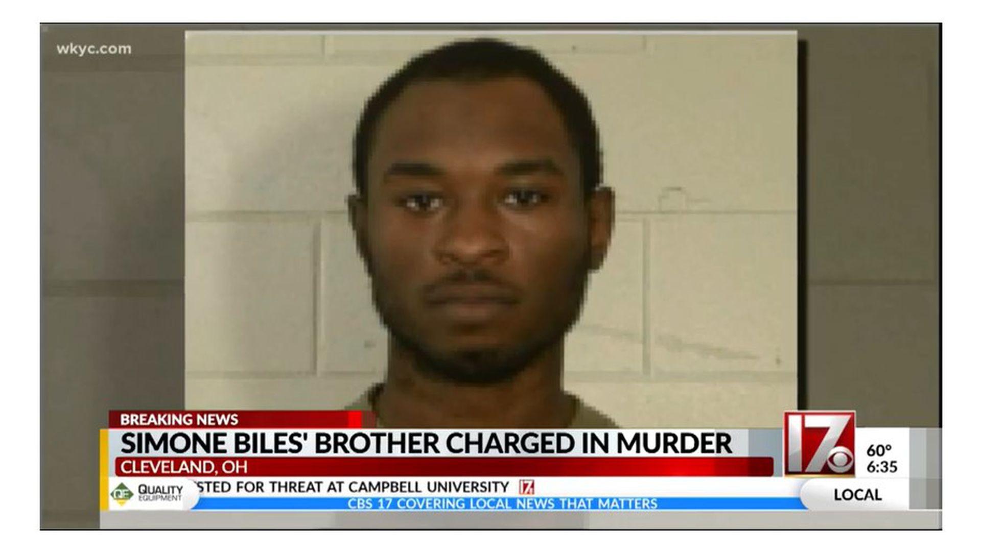 Tevin BIles, el hermano de Simone, fue acusado de triple asesinato.