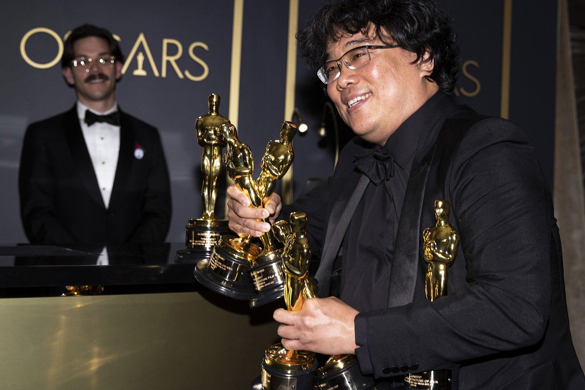 Bong Joon Ho, el director de Parasite, el film que marcó varios hitos pero que está lejos de los tanques en cuanto a taquilla